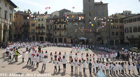 20120321_bambini_piazza_grande.jpg